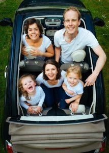 איך תגנו על הילדים בזמן נסיעה ברכב?