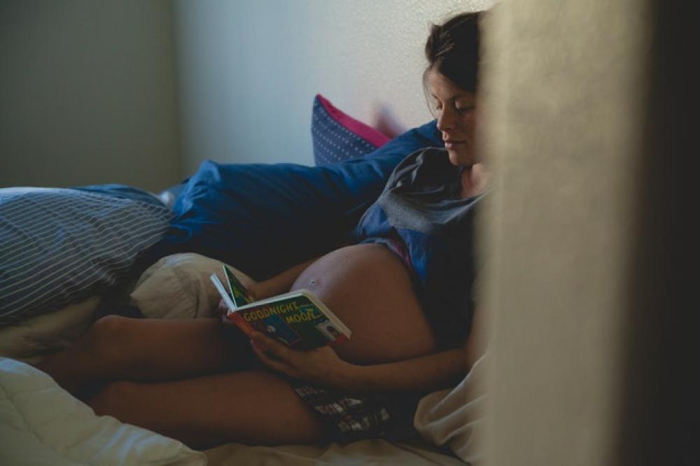 איך להעביר את הזמן בשמירת היריון?