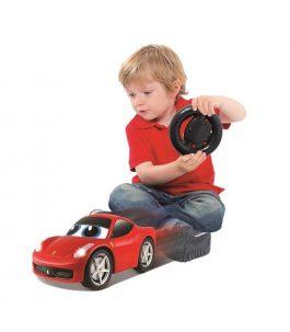 מכונית פרארי + שלט תנועה לנהג הצעיר